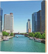 Chicago Tour Boats Parked On The River Wood Print