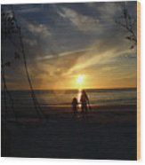 Child And Grandmother At Ft Desoto Wood Print