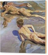 Children On The Beach Wood Print by Joaquin Sorolla y Bastida