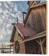 Christmas Barn On The Lake Wood Print