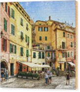Cinque Terre - Vernazza Main Street - Vintage Version Wood Print