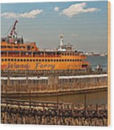 City - Ny - The Staten Island Ferry - Panorama Wood Print