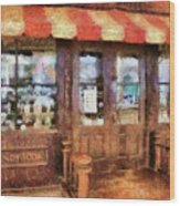 City - Ny 77 Water Street - Candy Store Wood Print
