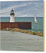 Cleveland Harbor Small Lighthouse Wood Print