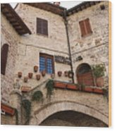 Country Charm Assisi Italy Wood Print