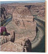 Couple Viewing Horseshoe Bend High Up Edge  Wood Print