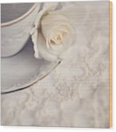 Cream Rose On White China Cup Wood Print