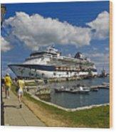 Cruise Ship In Bermuda Wood Print