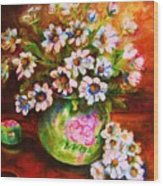 Daisies And Ginger Jar Wood Print