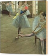 Dancers In The Classroom Wood Print