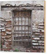 Decaying Wall And Window Antigua Guatemala 3 Wood Print