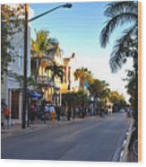 Duval Street In Key West Wood Print by Susanne Van Hulst