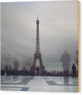 Eiffel Tower And Crowds Wood Print