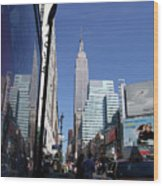 Empire State Of Mind In The Late Springtime Wood Print