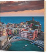 Evening Rolls Into Vernazza Wood Print