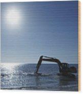 Excavator Digging In The Ocean Wood Print by Skip Nall