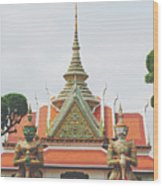Exquisite Details On The Building Of Wat Arun In Bangkok, Thailand Wood Print