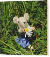 Family Mouse On The Spring Meadow Wood Print