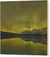 Flaring Northern Lights Wood Print