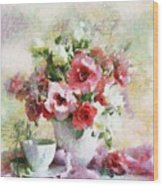 Floral Bouquet Table Setting In Tiny Bubbles Wood Print