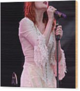 Florence Welch Singer Of Florence And The Machine Performing Live - 002 Wood Print