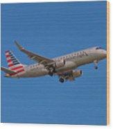 Flying In American Eagle Embraer 175 N426yx Wood Print