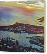 Flying Into Honolulu II Wood Print
