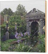 Fountain Garden Wood Print