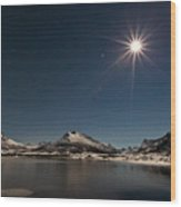 Full Moon In The Arctic Wood Print by Frank Olsen