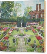 Garden At Hampton Court Palace Wood Print