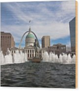 Gateway Arch And Old Courthouse In St. Louis Wood Print
