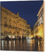Glossy Outdoor Living Room - Passeggiata On Piazza Duomo In Syracuse Sicily Wood Print