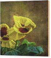 Golden Yellow Pensamientos Wood Print