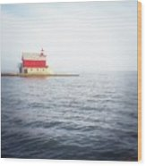 Grand Haven Lighthouse From North Pier Wood Print