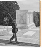 Guarding The Unknown Soldier Wood Print