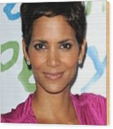 Halle Berry At Arrivals For Silver Rose Wood Print by Everett
