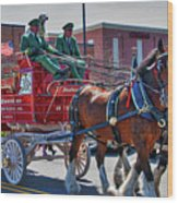 Here Comes The King-budweiser Clydesdales Wood Print