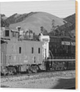 Historic Niles Trains In California . Southern Pacific Locomotive And Sante Fe Caboose.7d10843.bw Wood Print