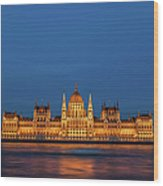 Hungarian Parliament Building At Night In Budapest Wood Print