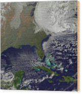 Hurricane Sandy Battering The United Wood Print