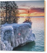 Icicle Cliffs Wood Print