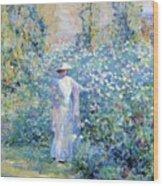 In The Flower Garden 1900 Wood Print