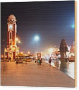 Jp025 The Clock Tower On The Malviya Dwipa At Har-ki-pauri Wood Print