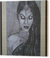 Lady With Bridal Jewelry Wood Print
