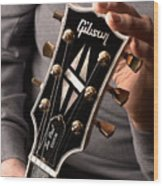 Les Paul - Hands And Gibson Headstock By Gene Martin Wood Print