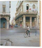 Life In Cuba Wood Print