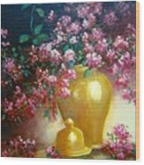 Lilacs In Gold Vase Wood Print
