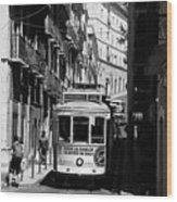 Lisbon Trolley 16b Wood Print