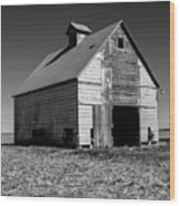 Lonely Old Barn Vertical Wood Print
