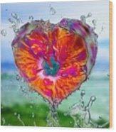 Love Makes A Splash Wood Print